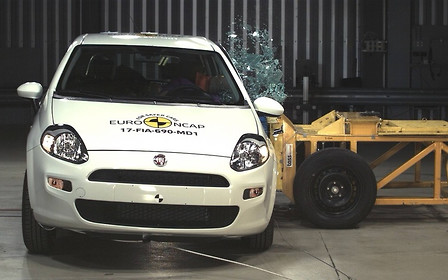 Полный ноль: Fiat Punto не получил ни одной звезды за краш-тесты EuroNCAP