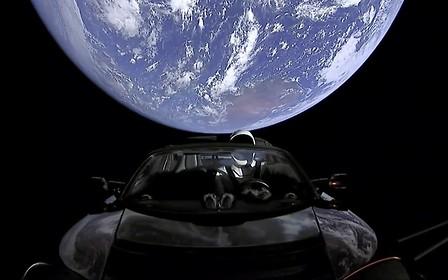 Выше облаков, но ниже плинтуса: Tesla установила новый рекорд убытков
