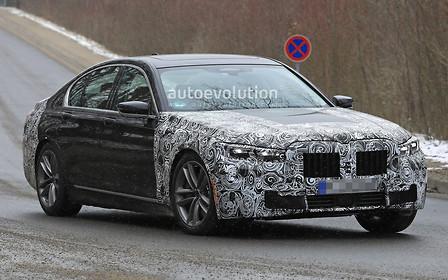 BMW проводит дорожные испытания обновленной «семерки»