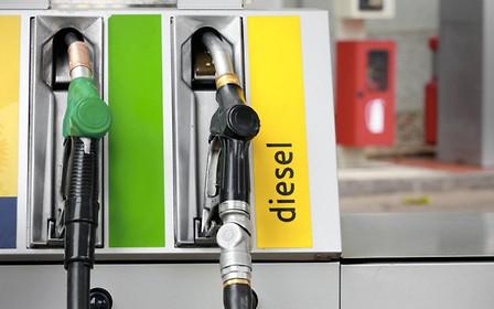 Продам ДТ, недорого: Швеция присоединилась к «праву запрещать» дизельные авто