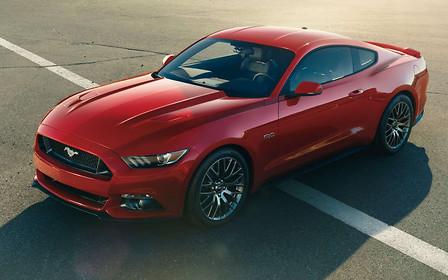 Ford Mustang — самый популярный в мире спорткар. Третий год подряд
