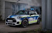 Боевые машины выручателей: BMW ппоказала новые авто для экстренных служб