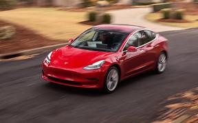 Не тормозит: на Tesla Model 3 поступила очередная партия жалоб