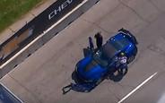 Видео: босс GM разбил крутой Corvette на глазах у публики в Детройте