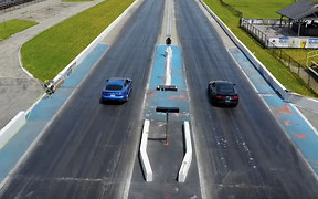 Кто кого? Kia Stinger GT сразился Ford Mustang GT