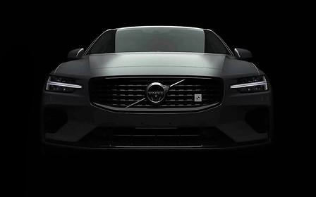 Глаза в глаза: Volvo показал седан S60 нового поколения