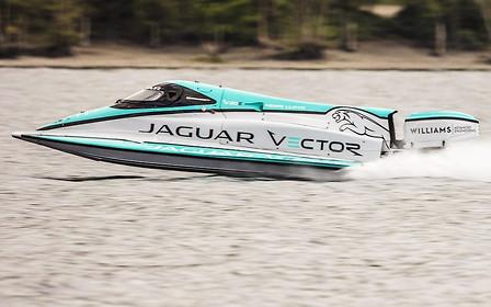 Видео: электрический Jaguar установил рекорд скорости... на воде