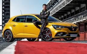 Megane R.S. для взрослых: Renault показала «прокачанный» Trophy