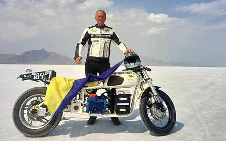 Сергей Малик установил новый рекорд скорости на солончаках Бонневиля
