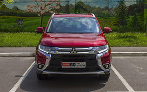 Тест-драйв Mitsubishi Outlander 2,4 Ultimate