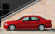 Три главных буквы: первый «заводской» Mercedes AMG появился ровно 25 лет назад