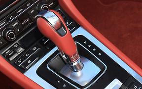 10 самых доступных новых автомобилей с «автоматом»