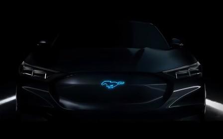 Брайан Крэнстон представил тизер гибридного Ford Mustang. ВИДЕО
