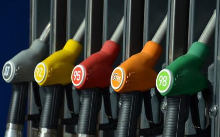 Медленно, но верно. Цена бензина и ДТ понемногу снижается