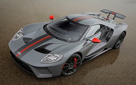 Весь в черном. Суперкар Ford GT сбросил вес за счет карбона и титана