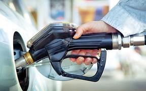 После падения в опте топливо начало дешеветь на заправках