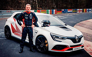 Унизил и растоптал. Renault Megane установил новый рекорд Нюрбургринга. ВИДЕО