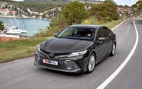 Тест-драйв Toyota Camry Hybrid: Позеленел и не жрет