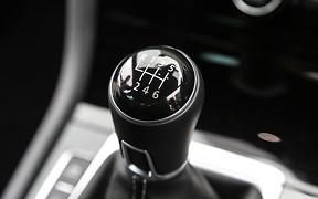«Механіка» ще жива. Volkswagen показав нову коробку MQ281