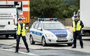 У Польщі видали посібник по місцевих ПДР для українських водіїв