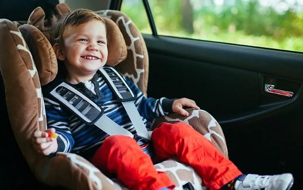 Смешное видео детей в машине