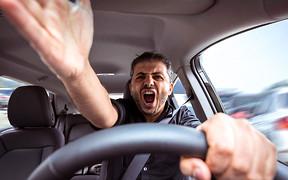 Заколдованный шлагбаум: ведут ли себя иначе украинские водители после пересечения границы?