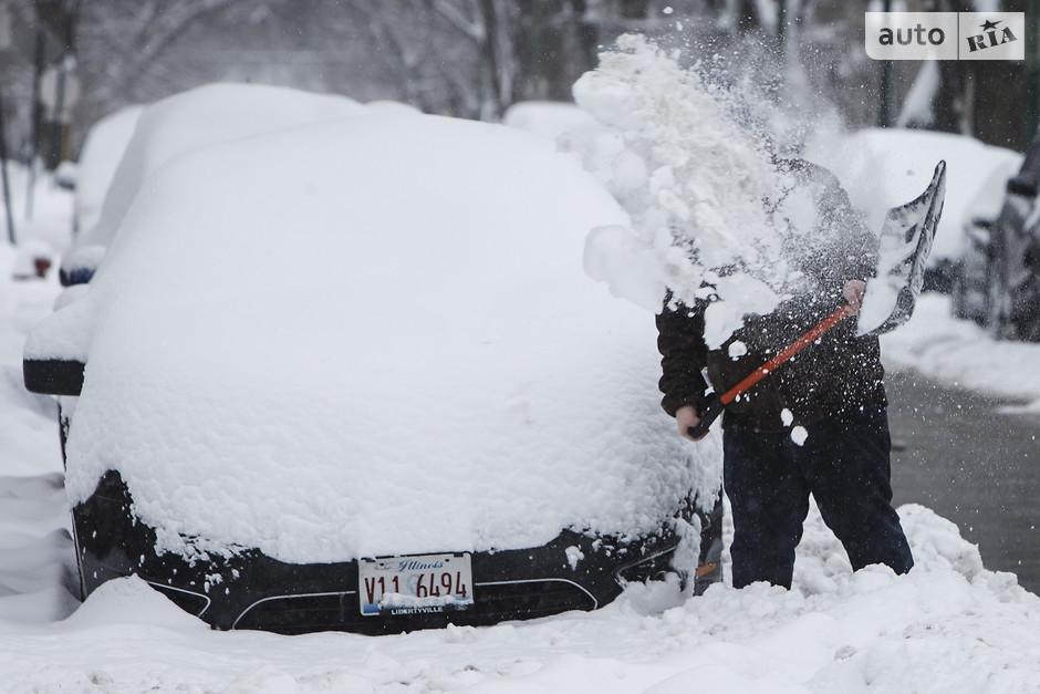 как почистить машину от снега