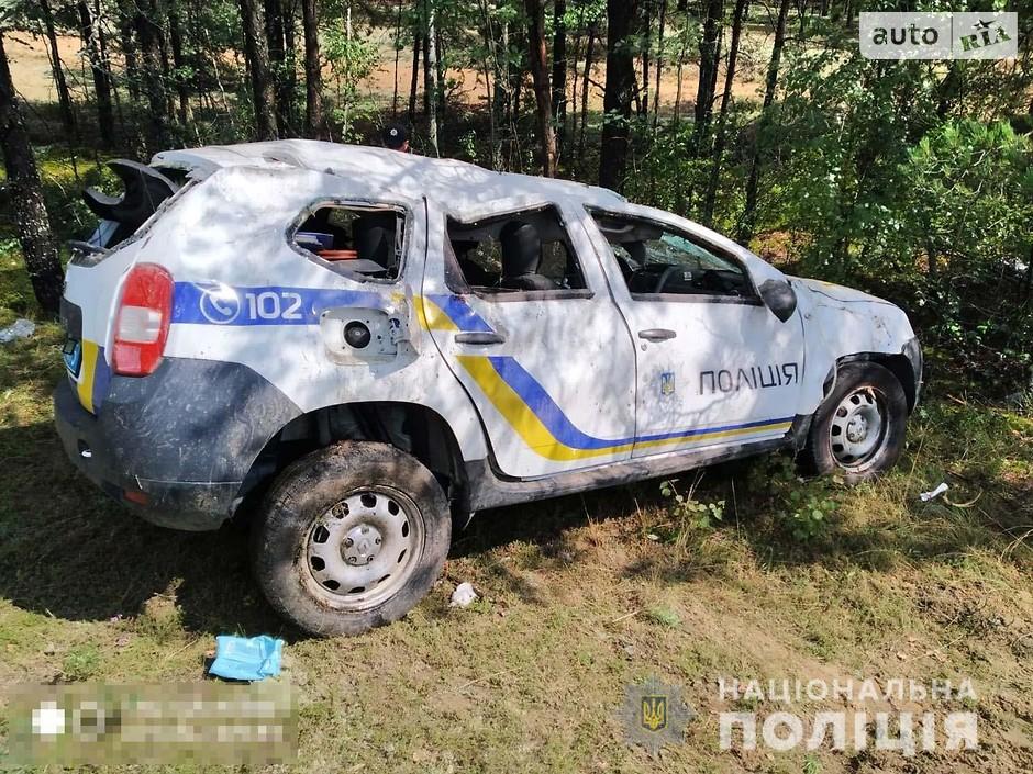 Разбитый патрульный авто