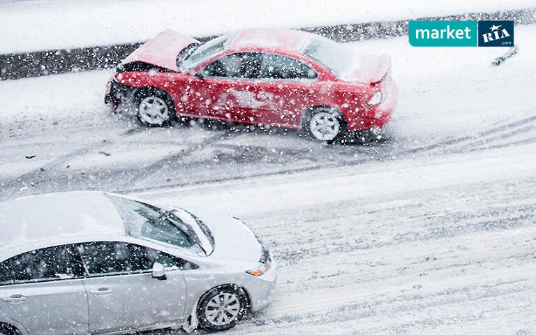 Вождение на мокром и укатанном снегу