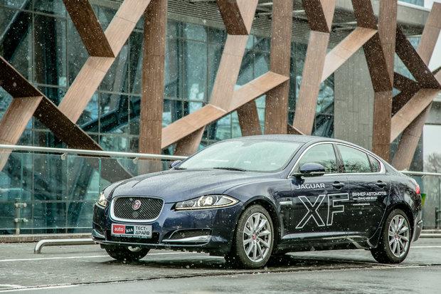 Jaguar XF фото