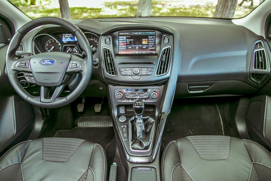 Интерьер Ford Focus