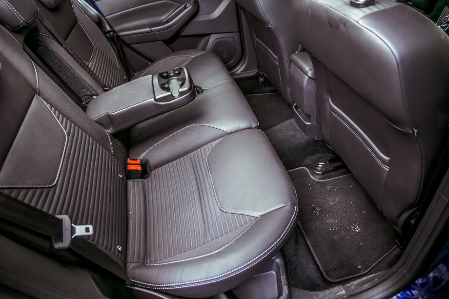 Задний диван Ford Focus