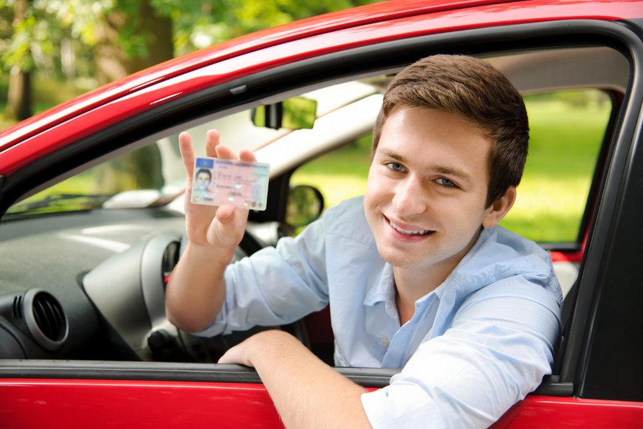Авто. Получаем водительское удостоверение