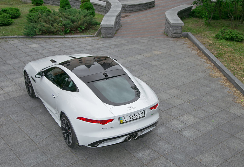 тест-драйв купе Ягуар, Jaguar F-Type