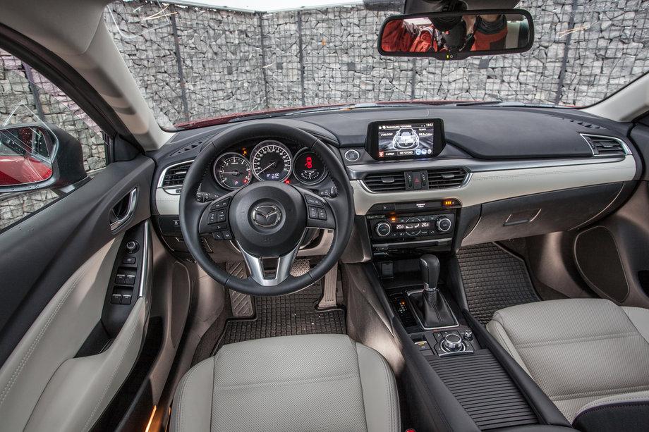 Салон Mazda6
