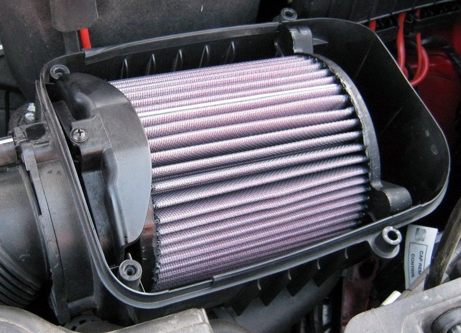 Фильтр воздушный на авто