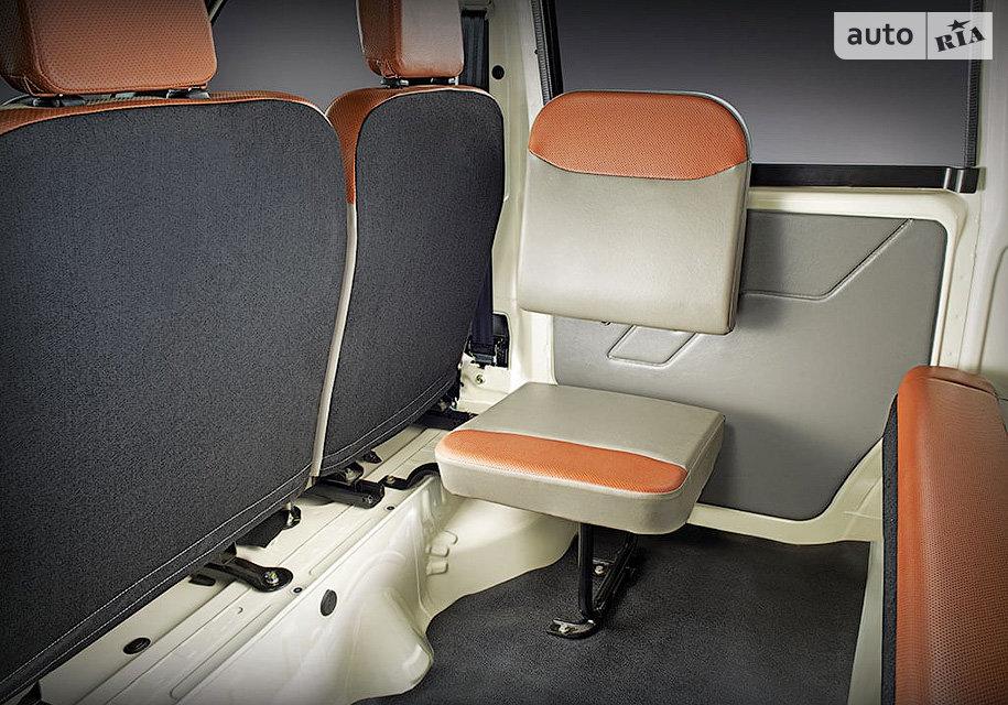 Jeeto Mini Van