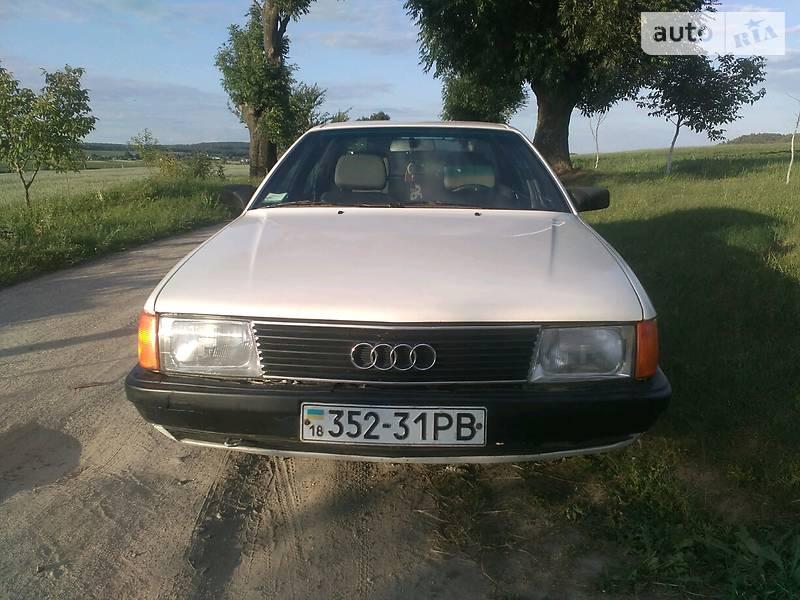 Фотографии автомобилей Audi  полный каталог фото Audi