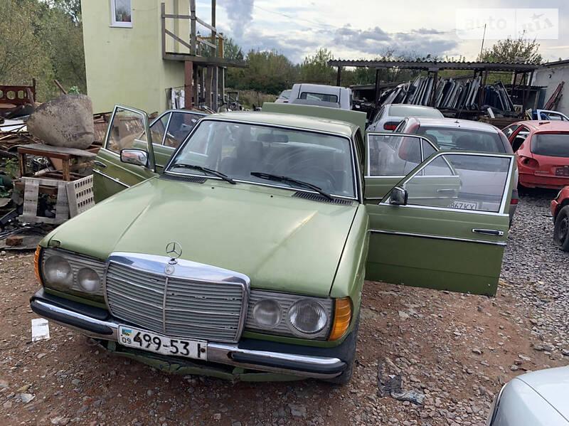 Mercedes-Benz E 200 1982
