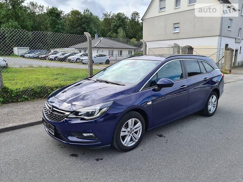Opel Astra K SportTourer Business 2017