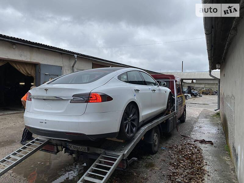 Tesla Model S S 85 Performance  2014