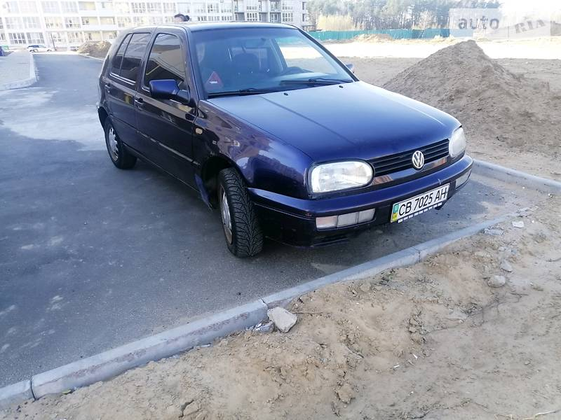 AUTO.RIA – Продам Volkswagen Golf III 1998 бензин 1.6 хэтчбек бу в Чернигове, цена 2350 $