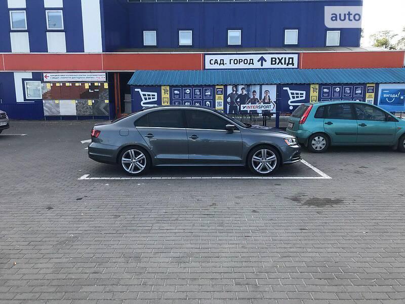 AUTO.RIA – Продам Volkswagen Jetta 2017 бензин 1.4 седан бу в Жовкве, цена 12399 $
