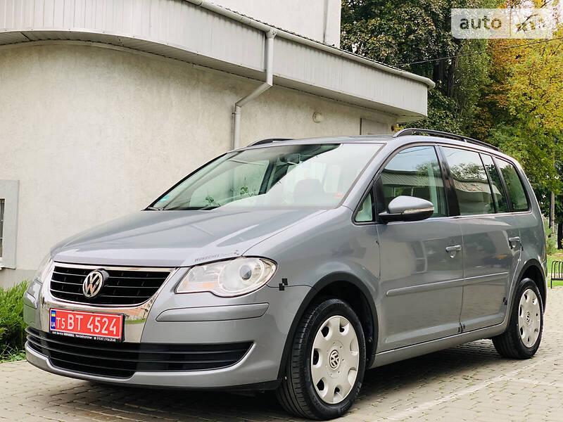 Volkswagen Touran Trend1.6MPi75kWt 2009
