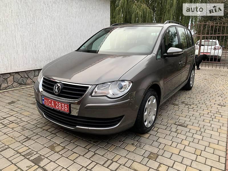 Volkswagen Touran 1.6 MPI BOMBA 2010