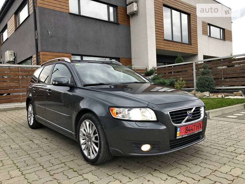 Volvo V50 2.4 180 KONEi  2008