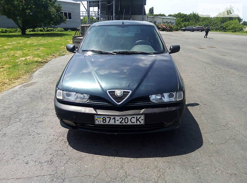 Хэтчбек Alfa Romeo 145