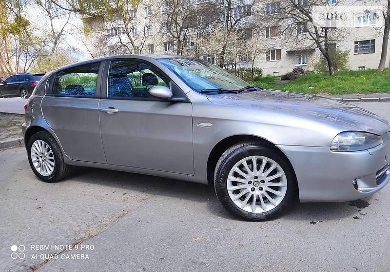Седан Alfa Romeo 147