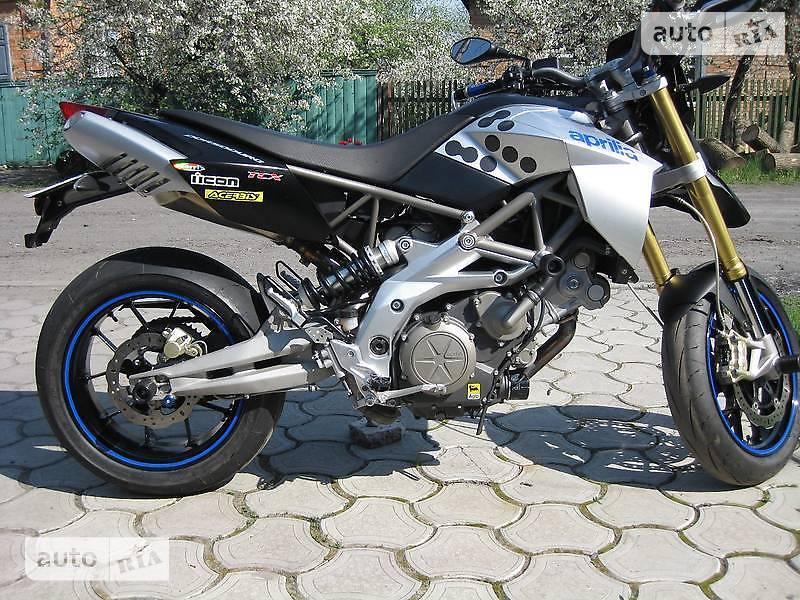 Aprilia Dorsoduro 750 SMV