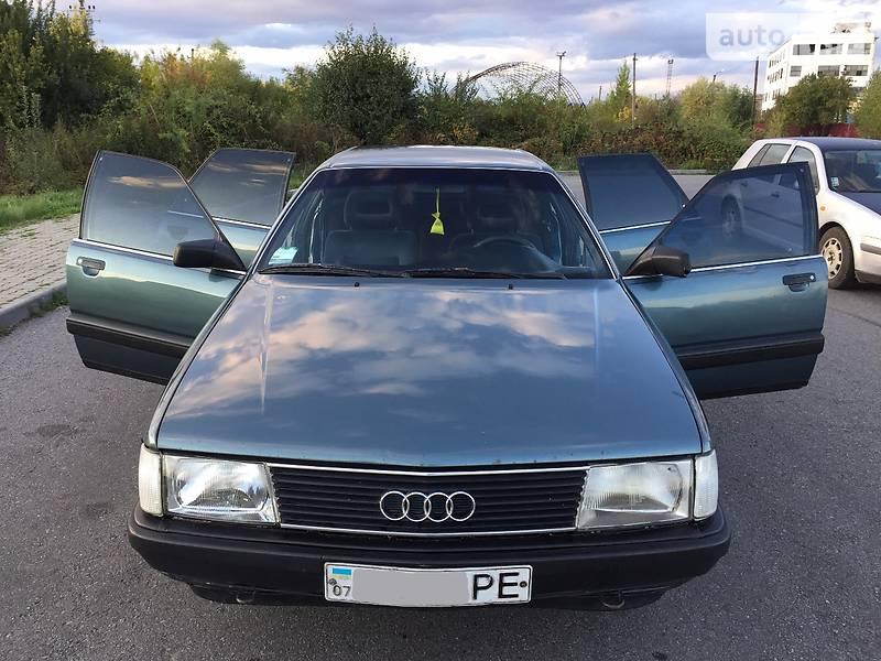 Audi 100 1988 года